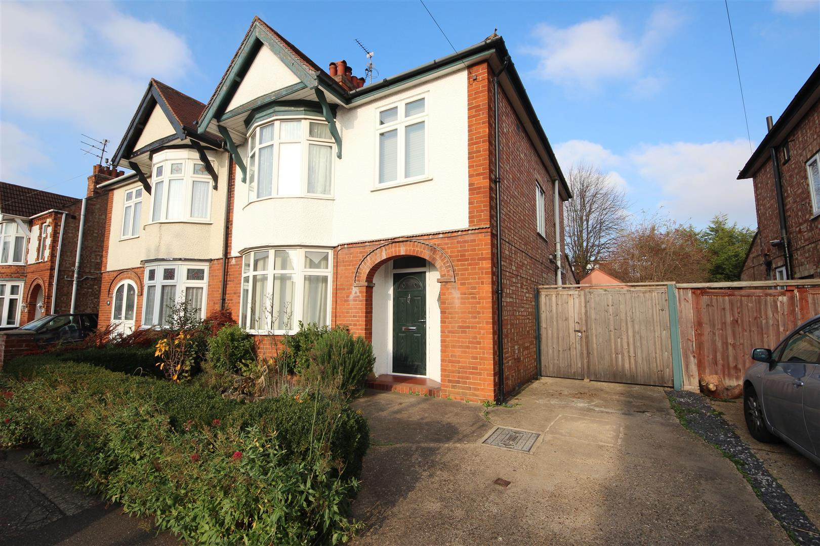 3 Bedroom Property For Sale In Cecil Road Central